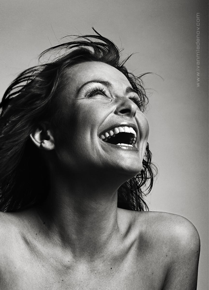 фото смеющихся людей профессиональные считаем его